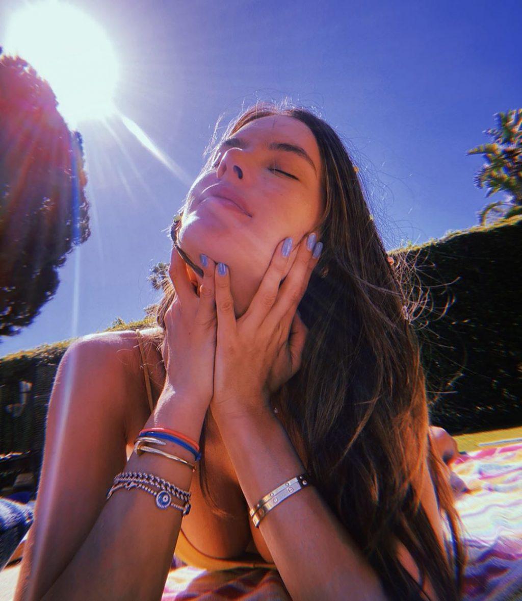 Alessandra Ambrosio Hot (5 Sexy Photos)
