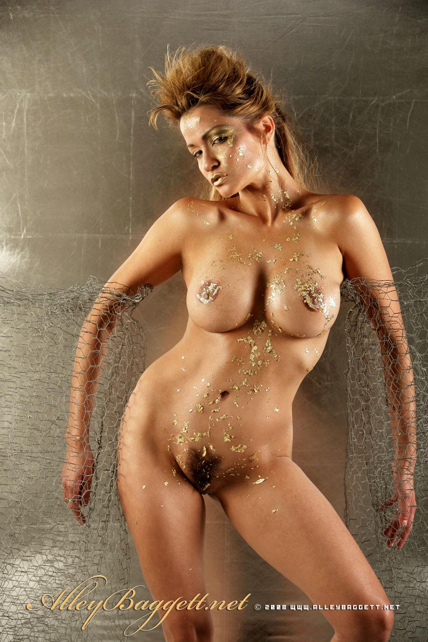 Alley Baggett Nude (9 Photos)