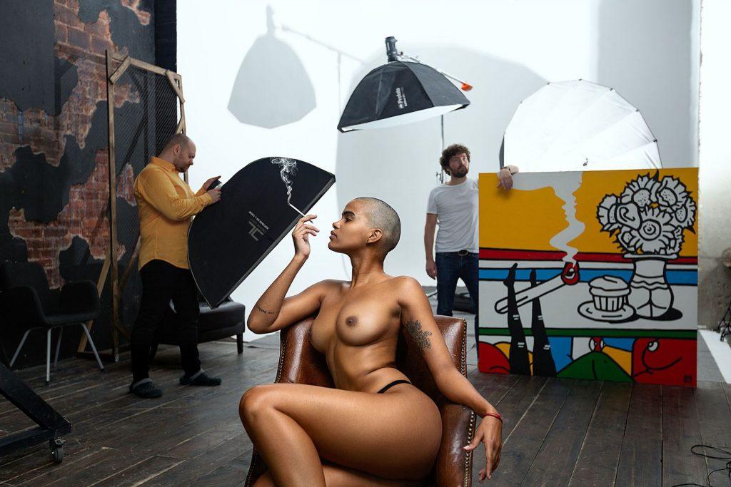 Amaya Nude (2 Photos)