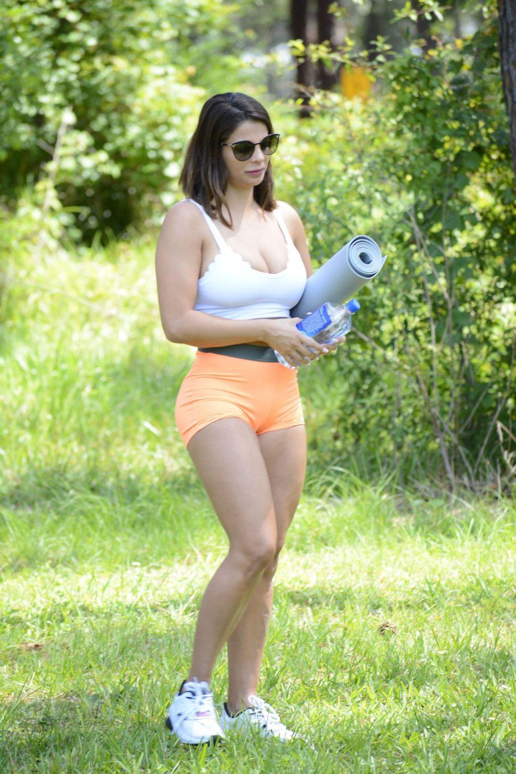 Carmen Valentina & Donna Bella Can Go to the Parks Now (28 Photos)