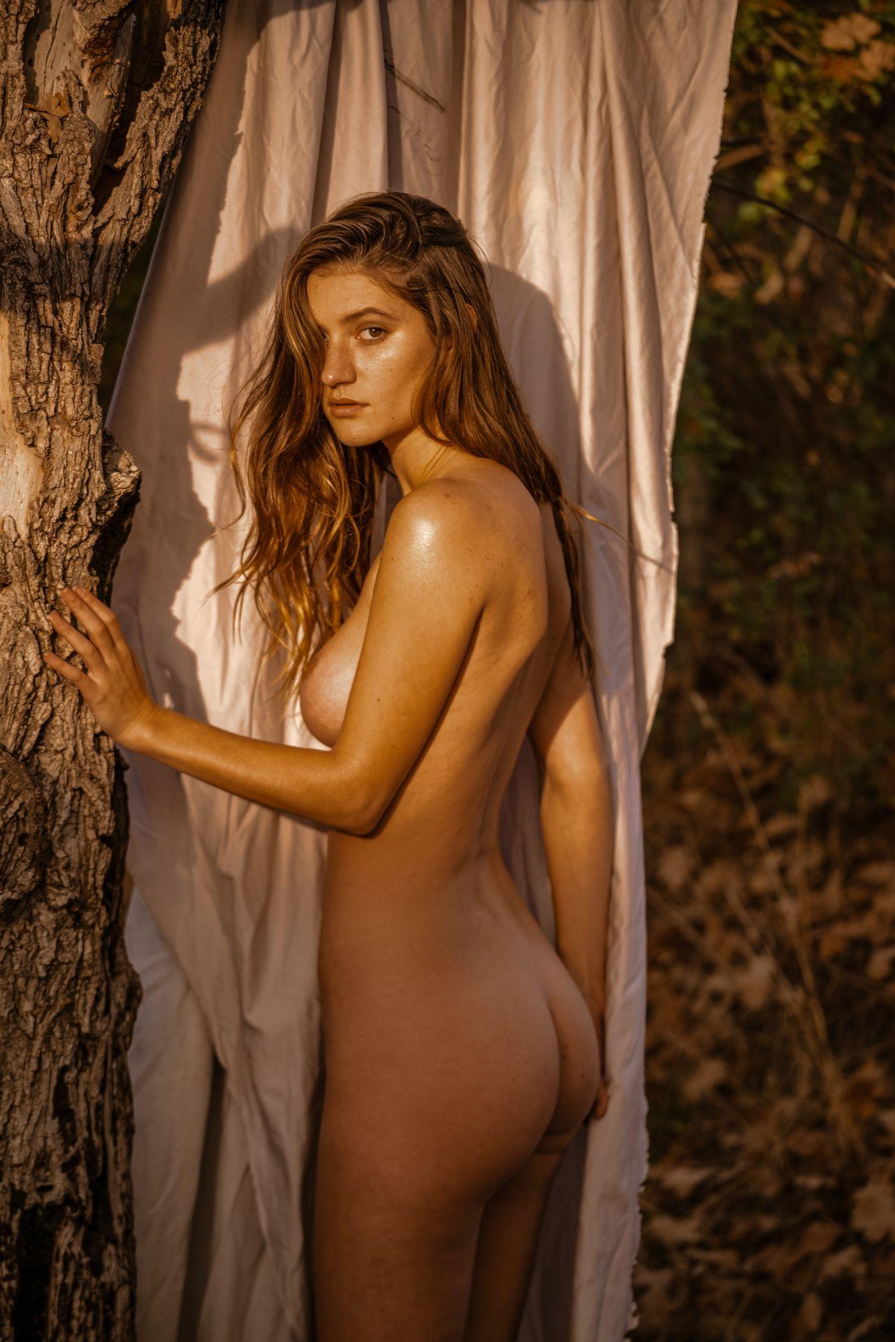Elizabeth elam naked