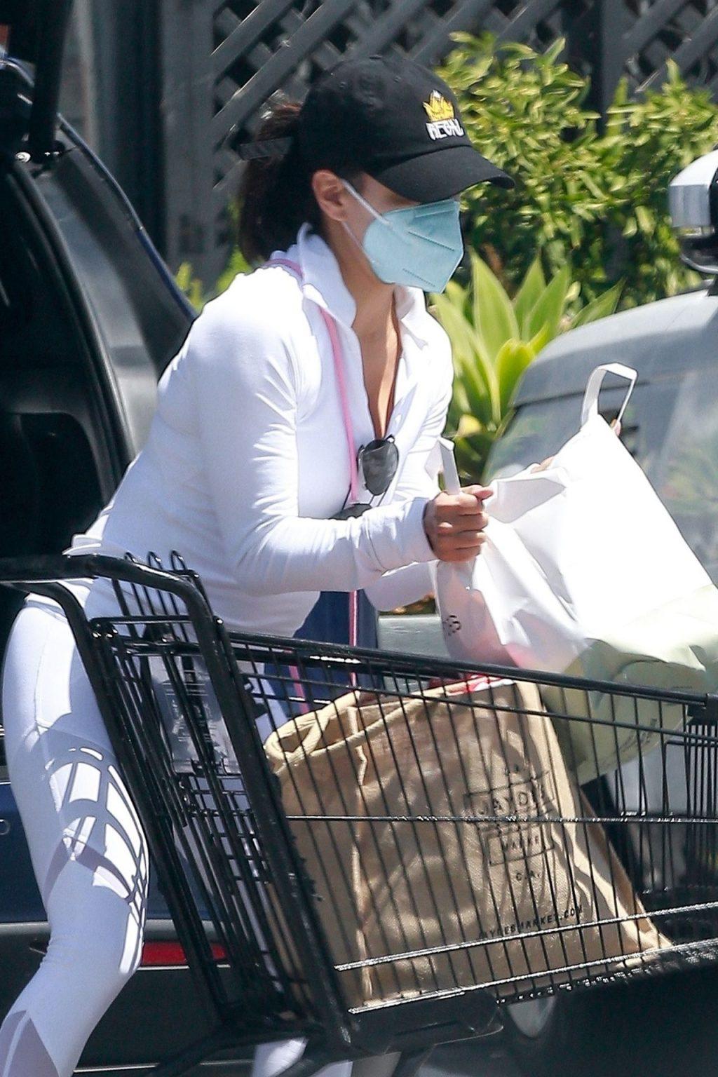 Braless Eva Longoria Goes Grocery Shopping at Jayde's Market (37 Photos)