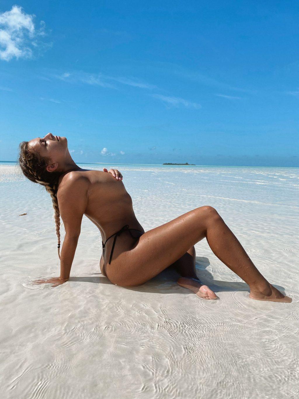 Faith Marone Nude (15 Photos)