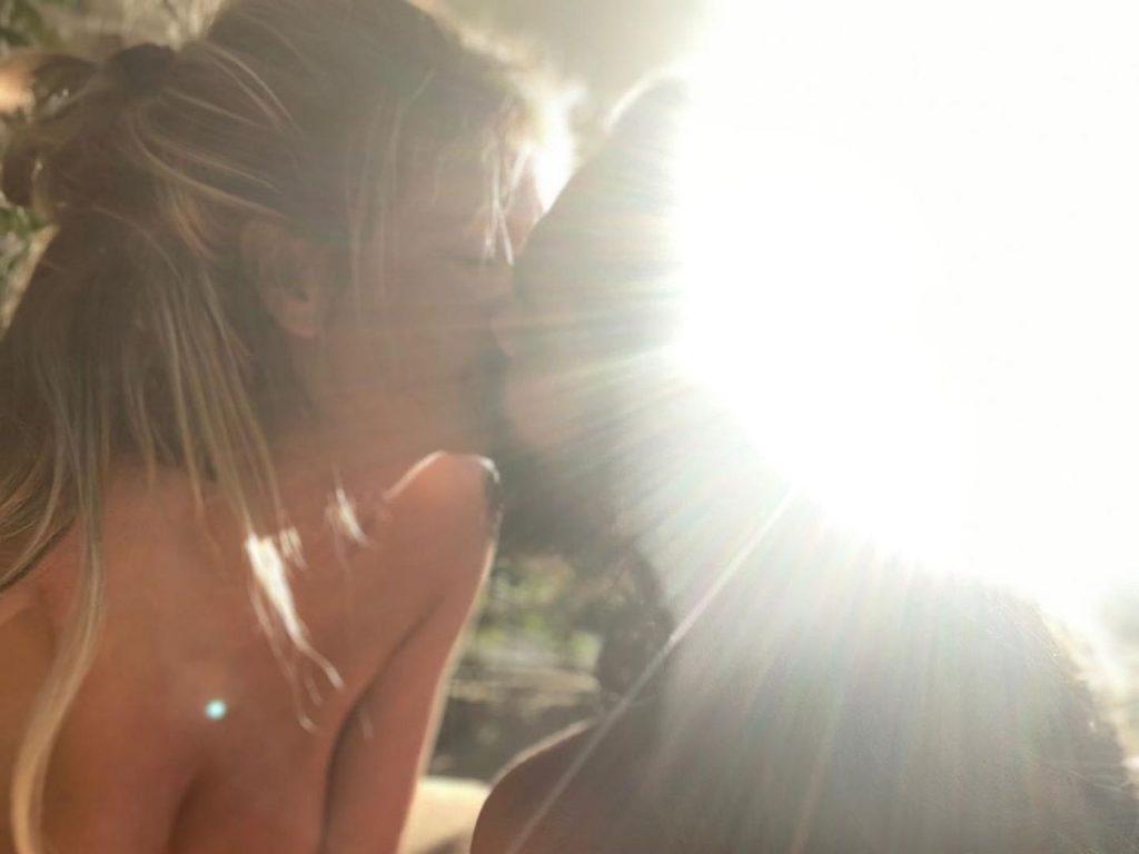 Heidi Klum Goes Topless (6 Photos)