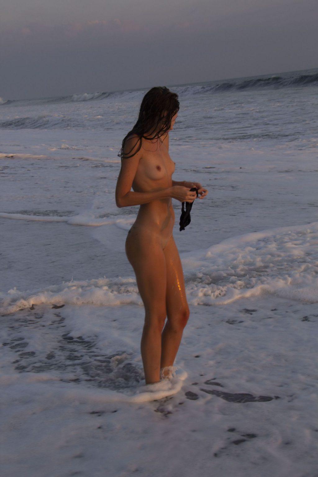 Jessie Keener Nude (15 Photos)