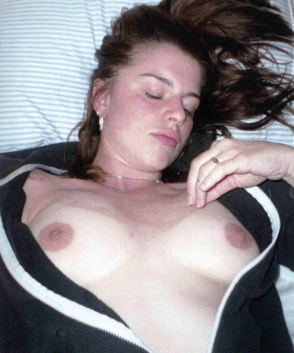 Julia Fox Nude – Heartburn/Nausea (25 Photos)