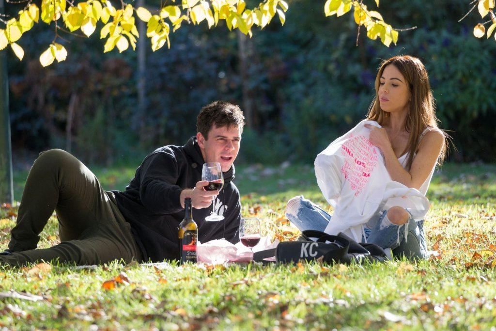 KC & Michael Goonan Are Seen Having a Picnic in a Park in Melbourne (39 Photos)