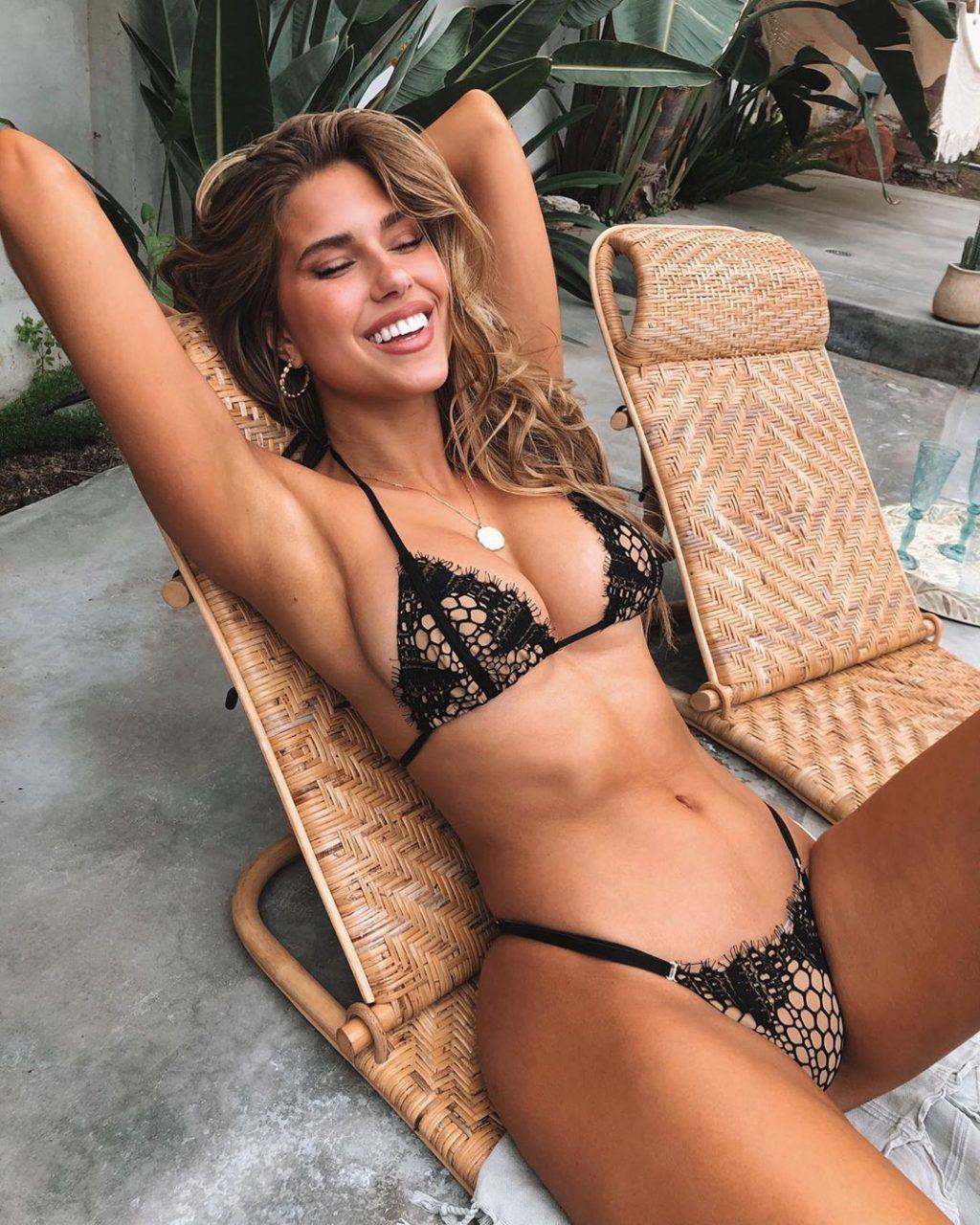 Kara Del Toro Sexy (20 Photos)