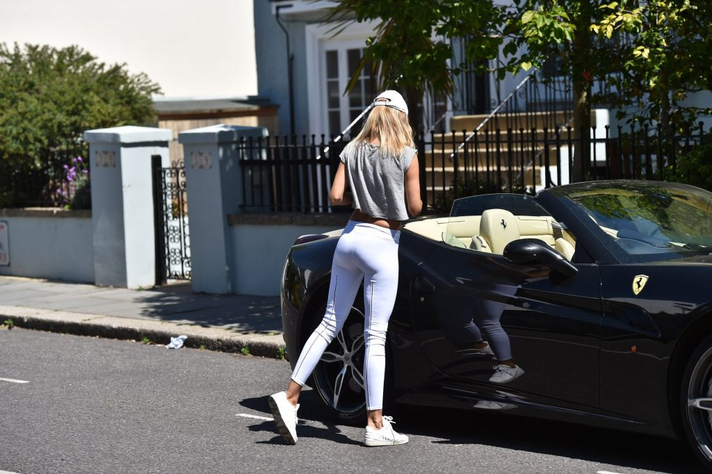 Kimberley Garner Is Seen Out Getting Some Exercise In London (25 Photos)