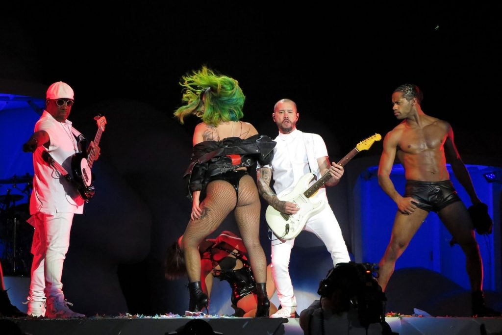 Lady Gaga Performs at the O2 Arena in London (151 Photos)