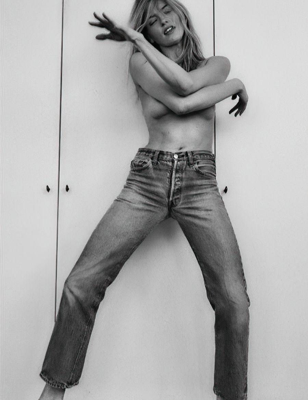 Martha Hunt Topless (16 Photos)