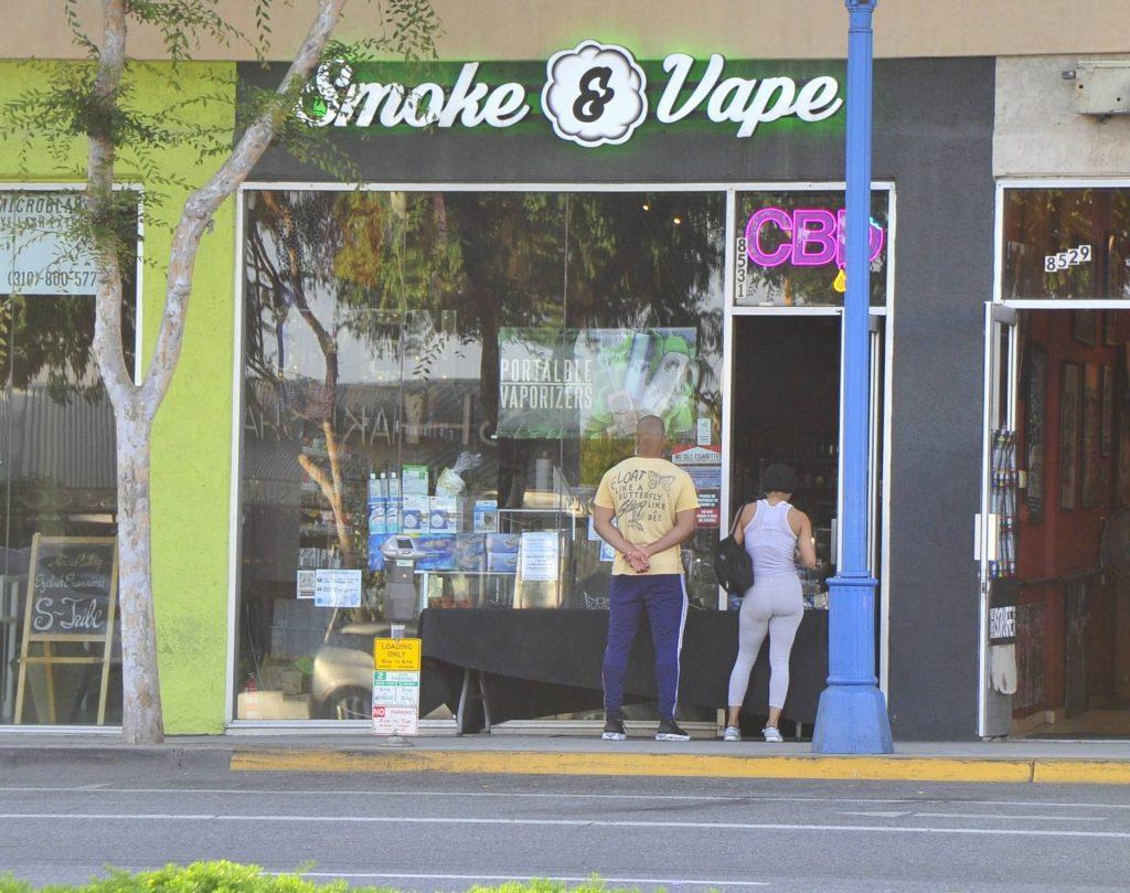 Meagan Good & Devon Franklin Buy Smokes (12 Photos)