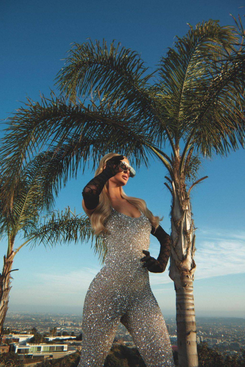 Paris Hilton Sexy – Rollacoaster Magazine (10 Photos)