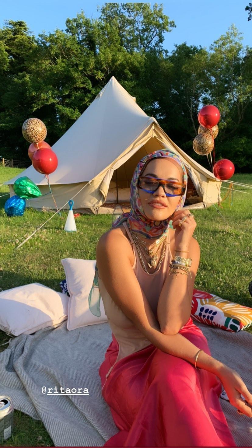 Rita Ora Braless (6 Photos + Video)