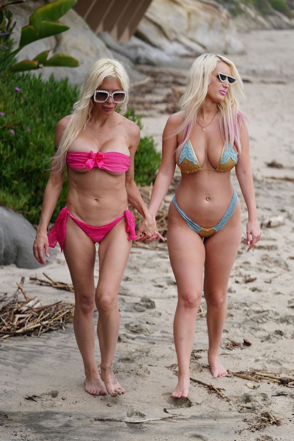 Tiffany Madison & Frenchy Morgan Share a Little Affection in Malibu (31 Photos)