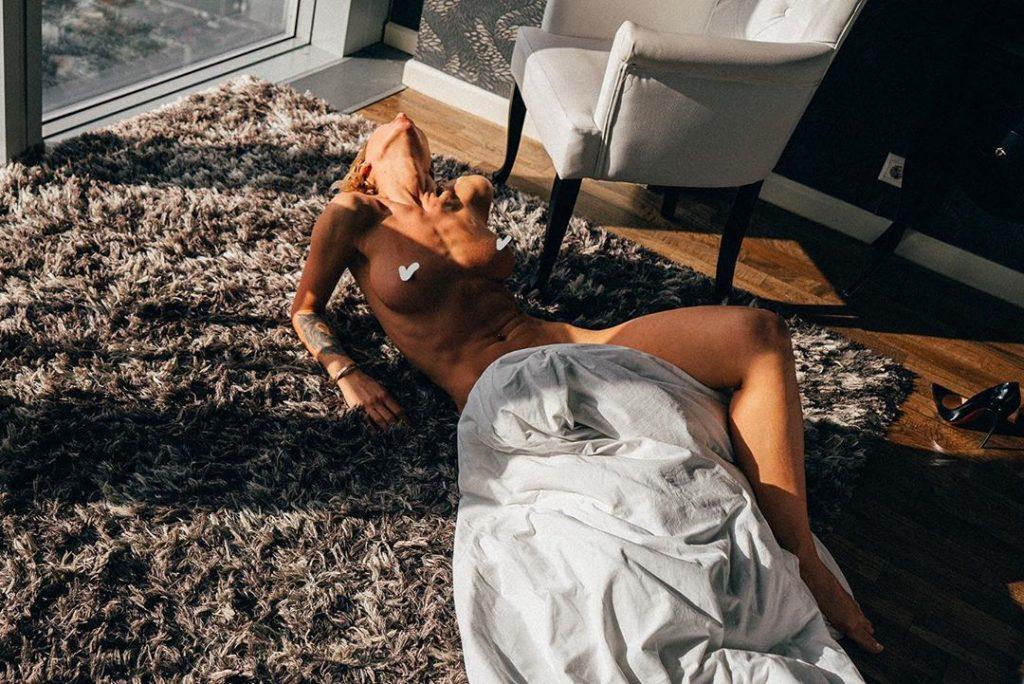 Valeria Arno Nude (17 Photos)