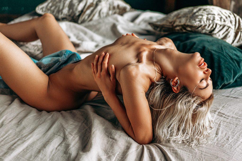 Galina dub flaunting her hot naked figure