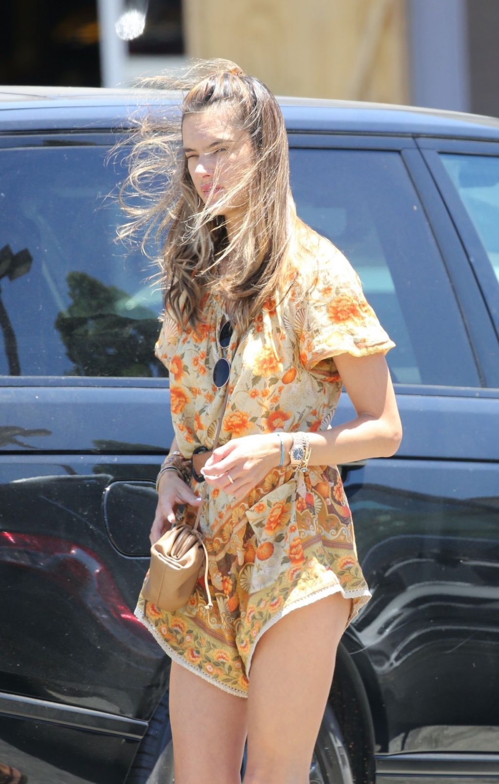 Alessandra Ambrosio is Bohemian Chic for Trip to Store in Santa Monica (30 Photos)
