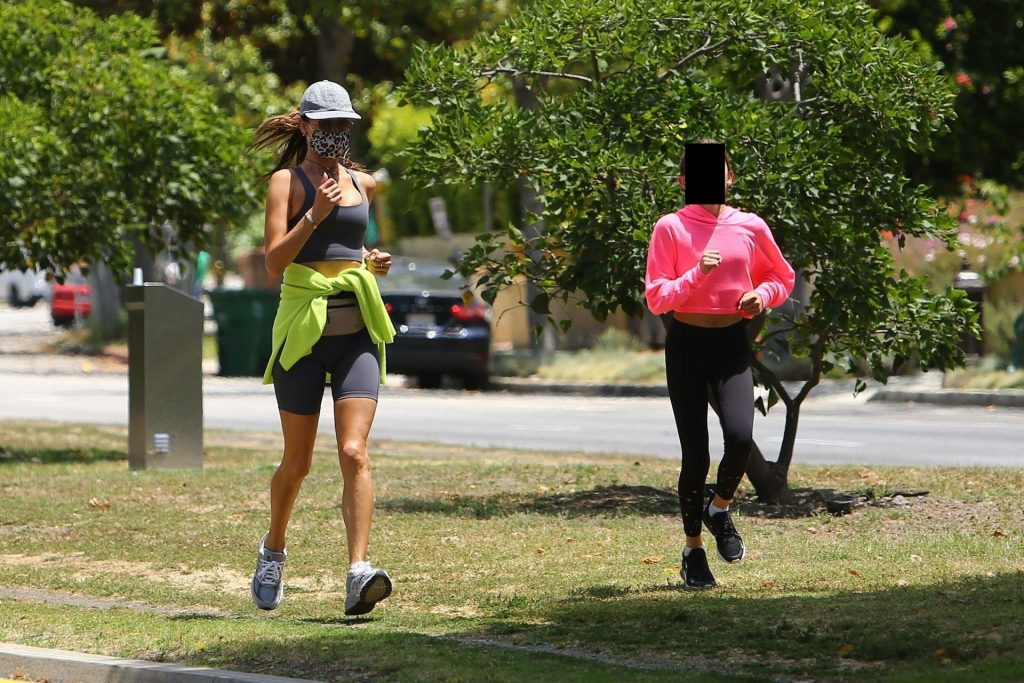 Sexy Alessandra Ambrosio Goes Out for a Jog (83 Photos)