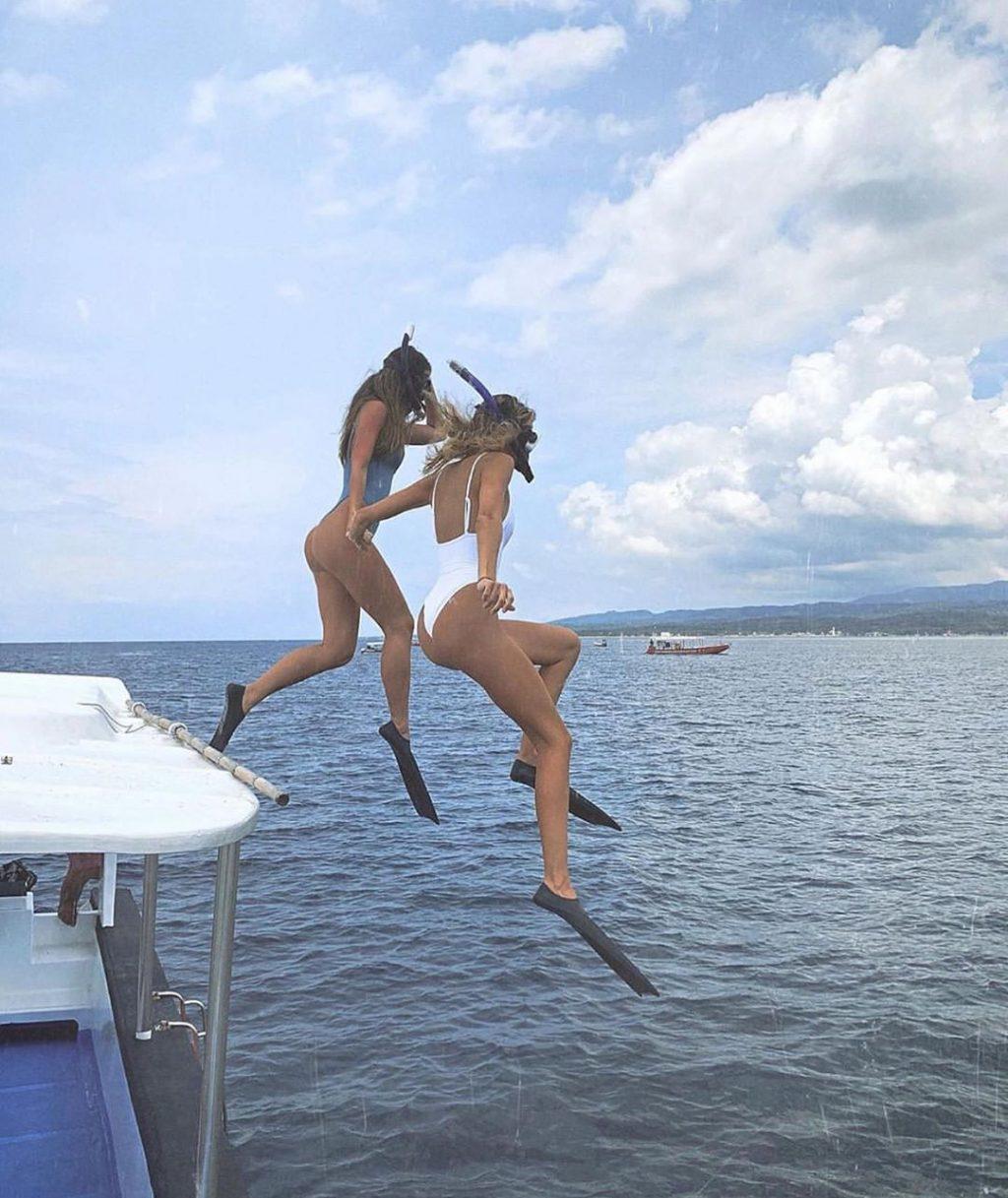 Allana Booth Sexy & Topless (25 Photos)