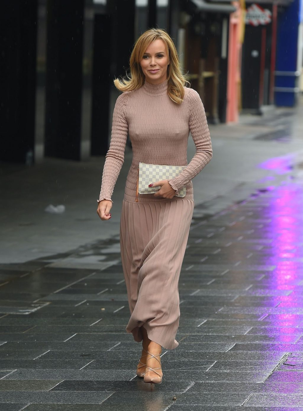 Amanda Holden Goes Braless in London (80 Photos)