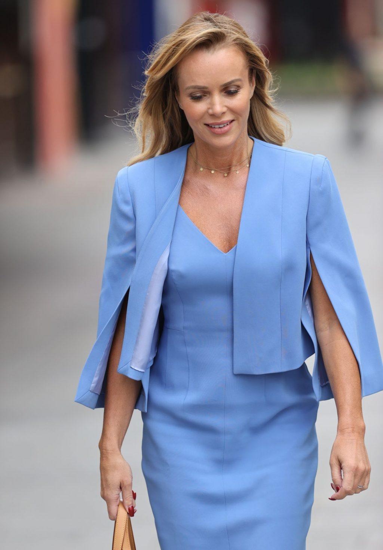 Braless Amanda Holden Is Seen Leaving the Global Studios (31 Photos)