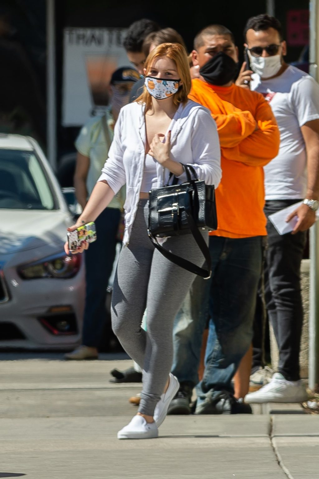 Ariel Winter is Spotted Socially Distancing as She Runs Errands in Los Angeles (19 Photos)