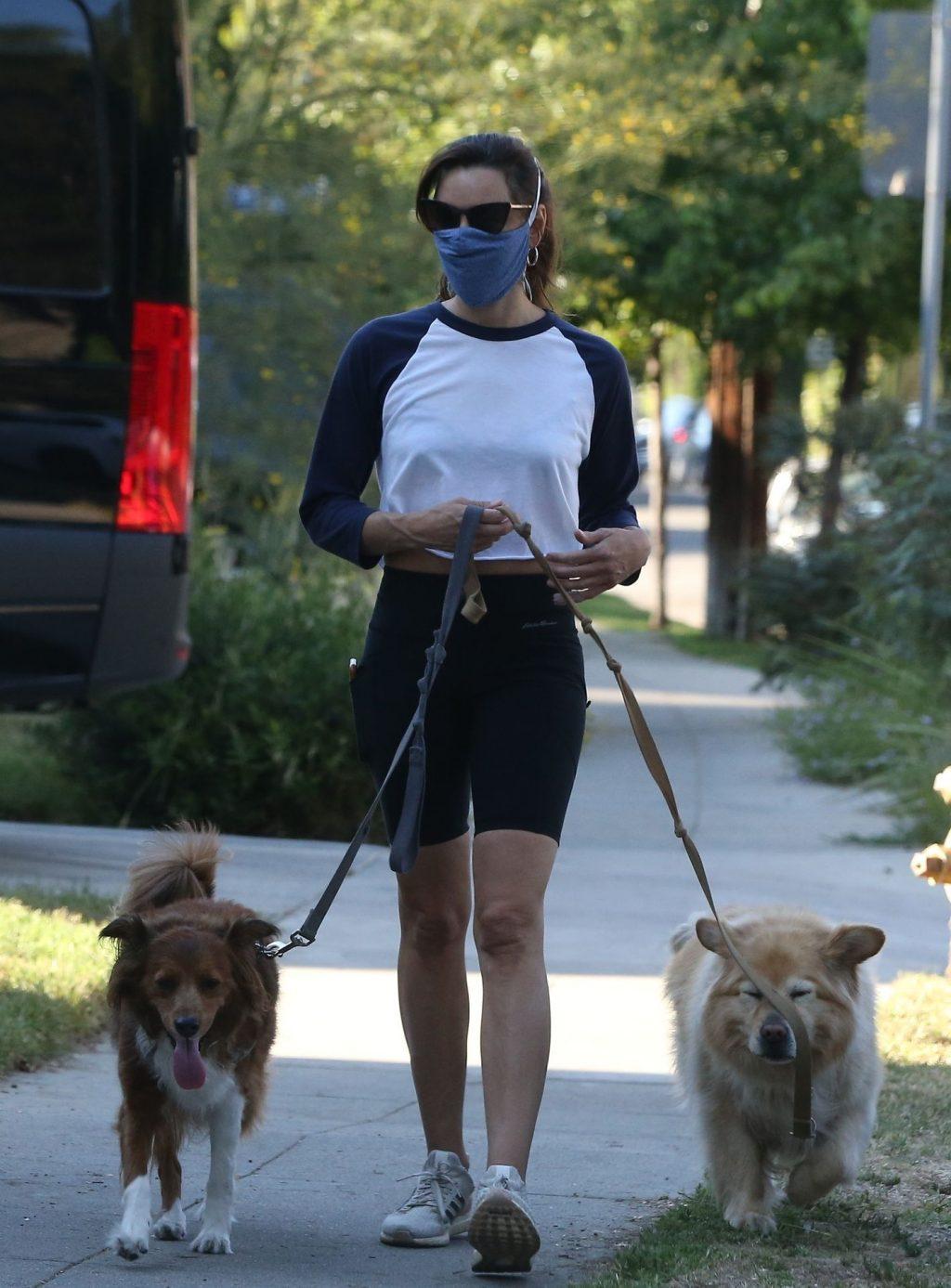 Braless Aubrey Plaza Walks Her Dogs with a Girlfriend (16 Photos)