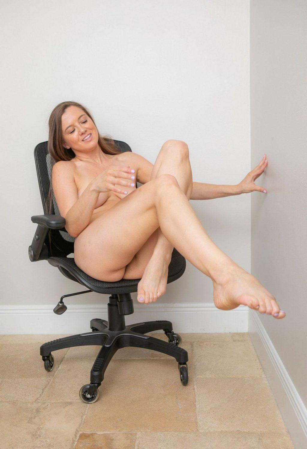 Becky Crane Nude (10 Photos)