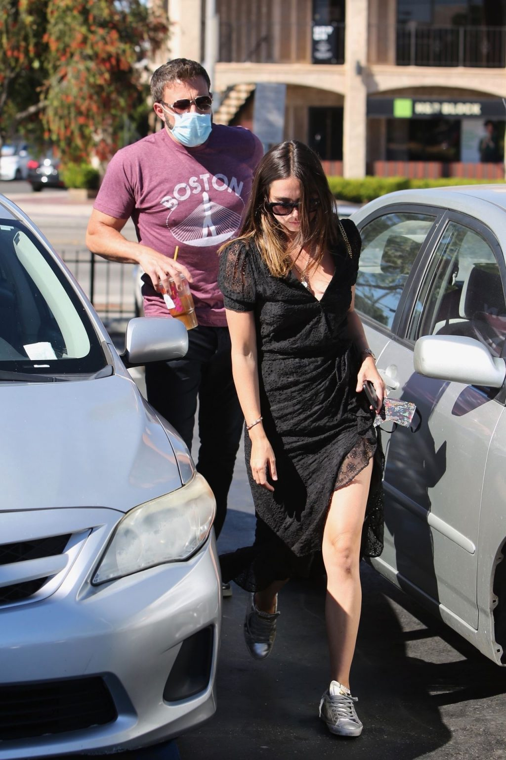 Ben Affleck & Ana de Armas Can't Keep Their Hands Off Each Other While Shopping (65 Photos)