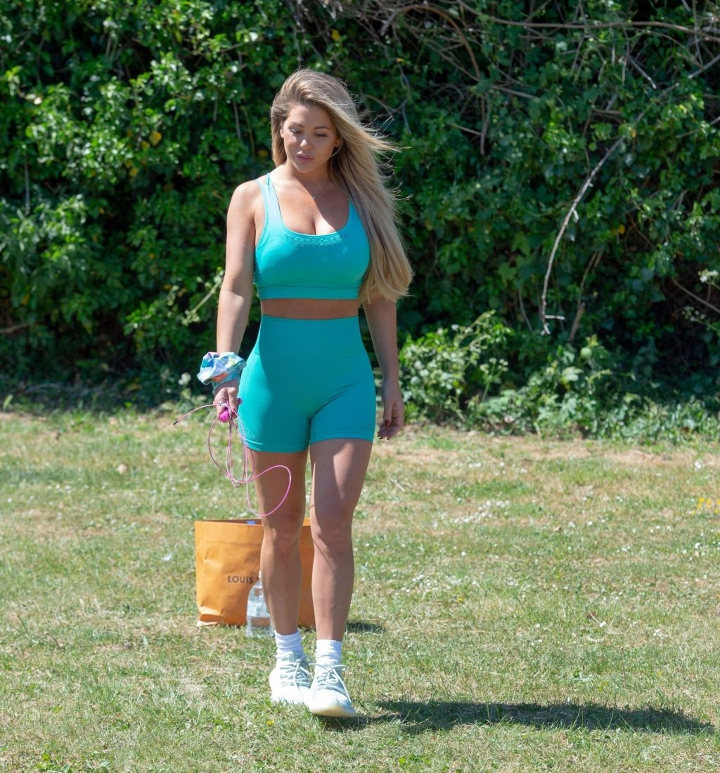 Bianca Gascoigne is Seen Having an Exercising Session in Kent (14 Photos)