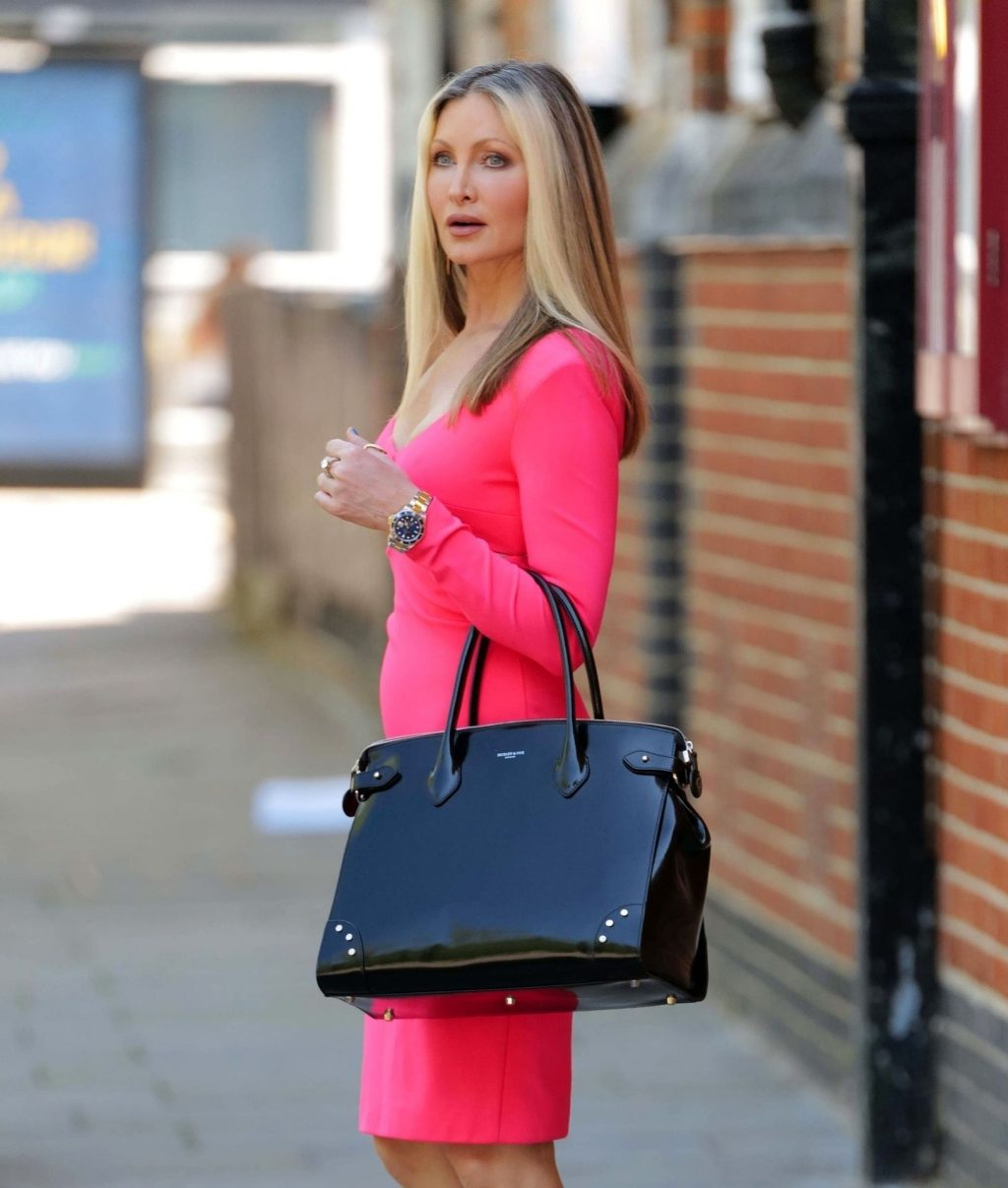 Caprice Wears a Sexy Pink Dress in Central London (8 Photos)