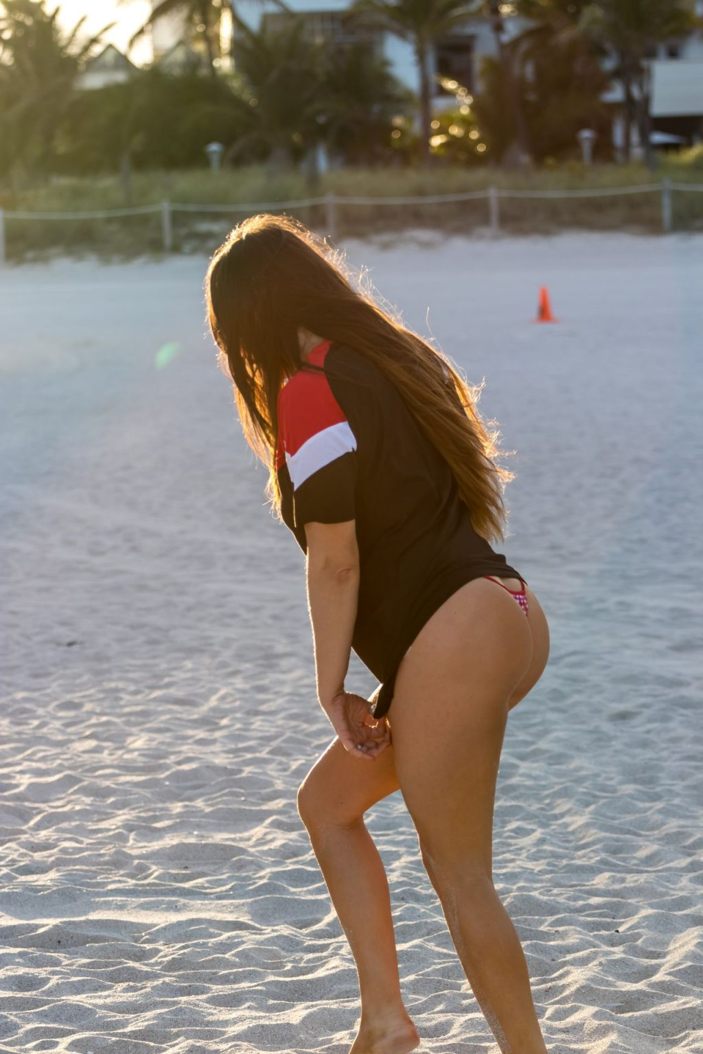Claudia Romani Shows Off Her Curves on the Beach (14 Photos)