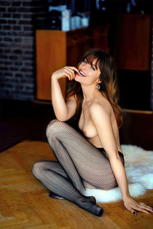 Ina Paule Klink Nude (10 Photos)