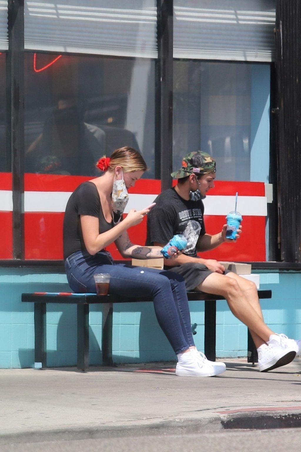 Braless Ireland Baldwin Meets a Friend in LA (50 Photos)