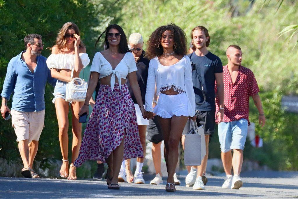Sexy Izabel Goulart Is Having Fun in Saint Tropez (25 Photos)