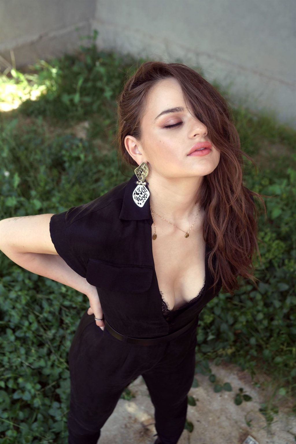 Joey King Shows Off Her Tits For Kelly Clarkson Show (10 Photos)
