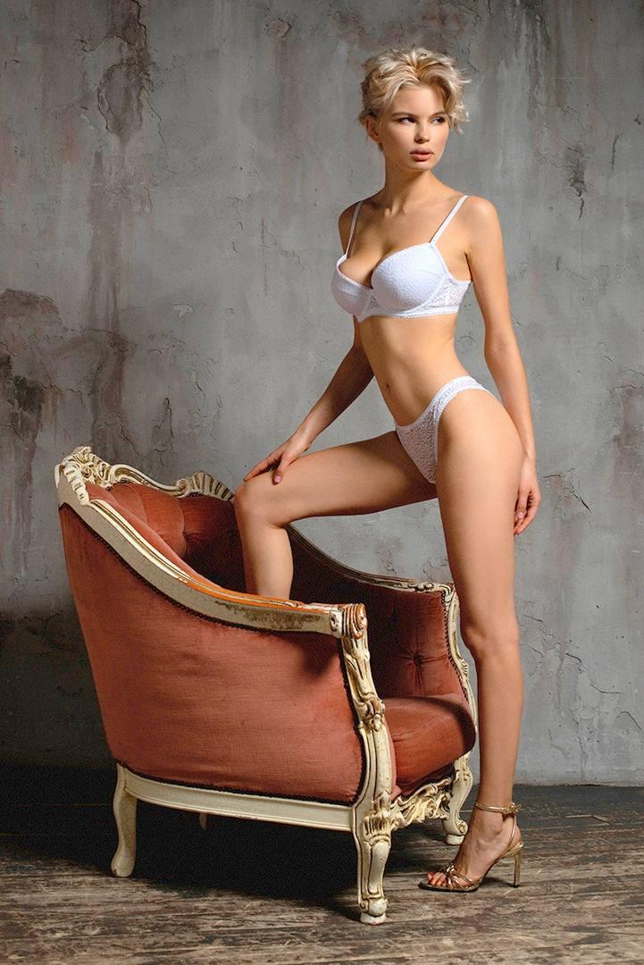 Julia Logacheva Sexy (23 Photos)