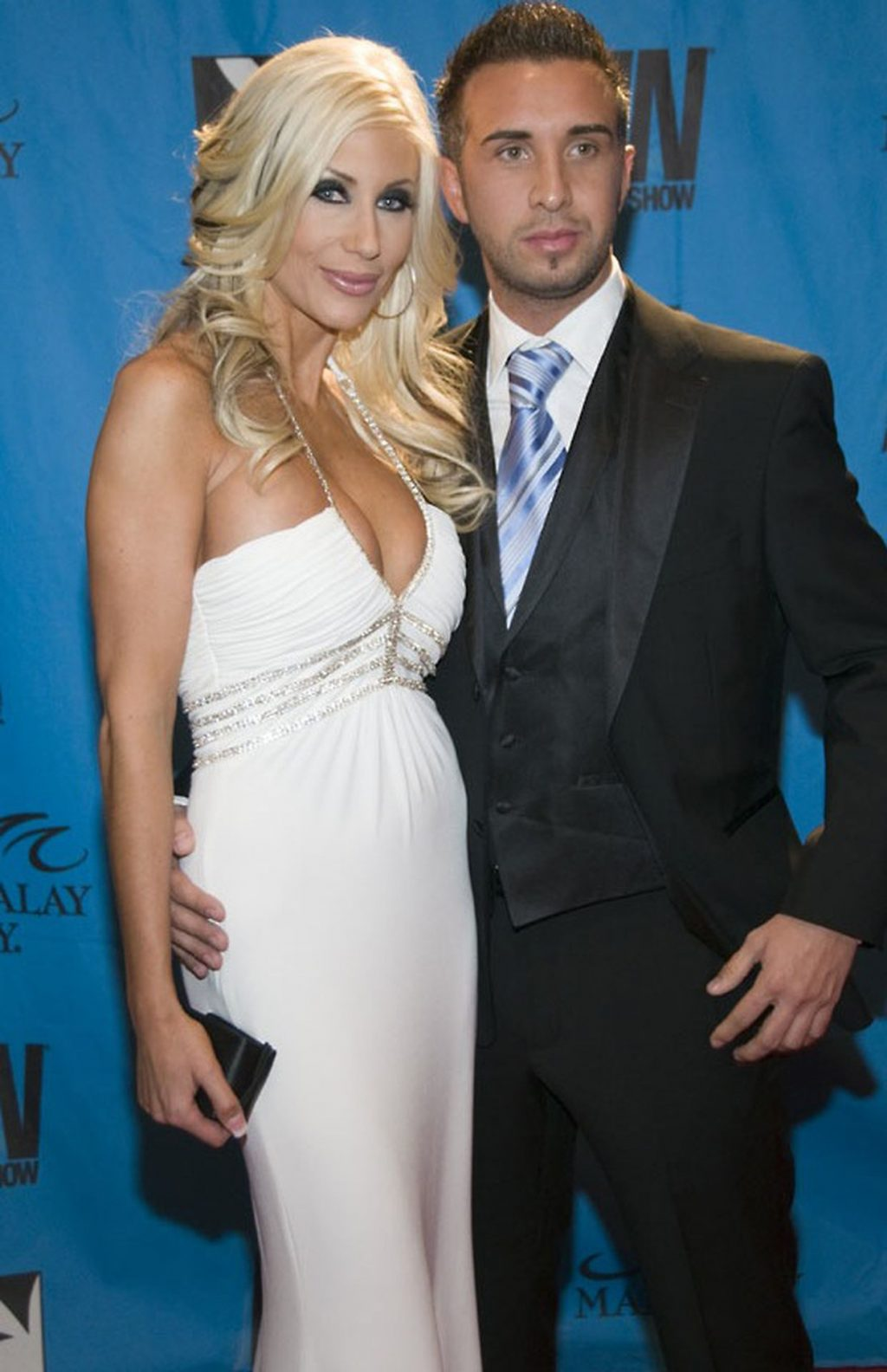 Keiran Lee Poses with Puma Swede and Other Porn Actresses (10 Photos)