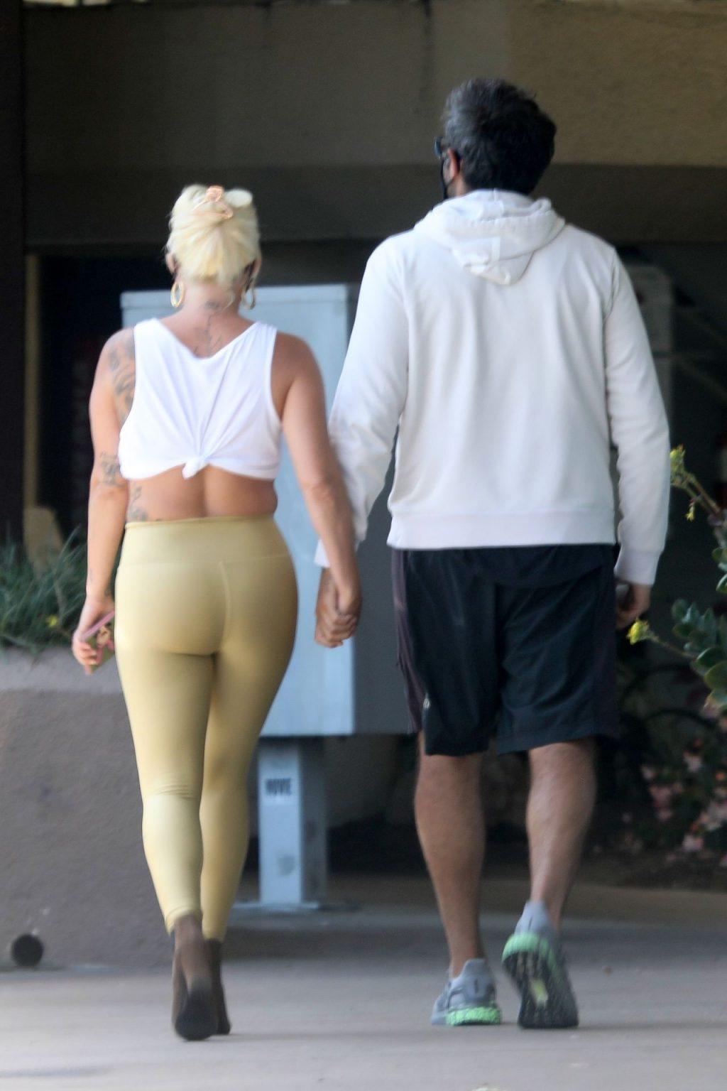 Lady Gaga and Boyfriend Grab Some Italian Food to Go (50 Photos)
