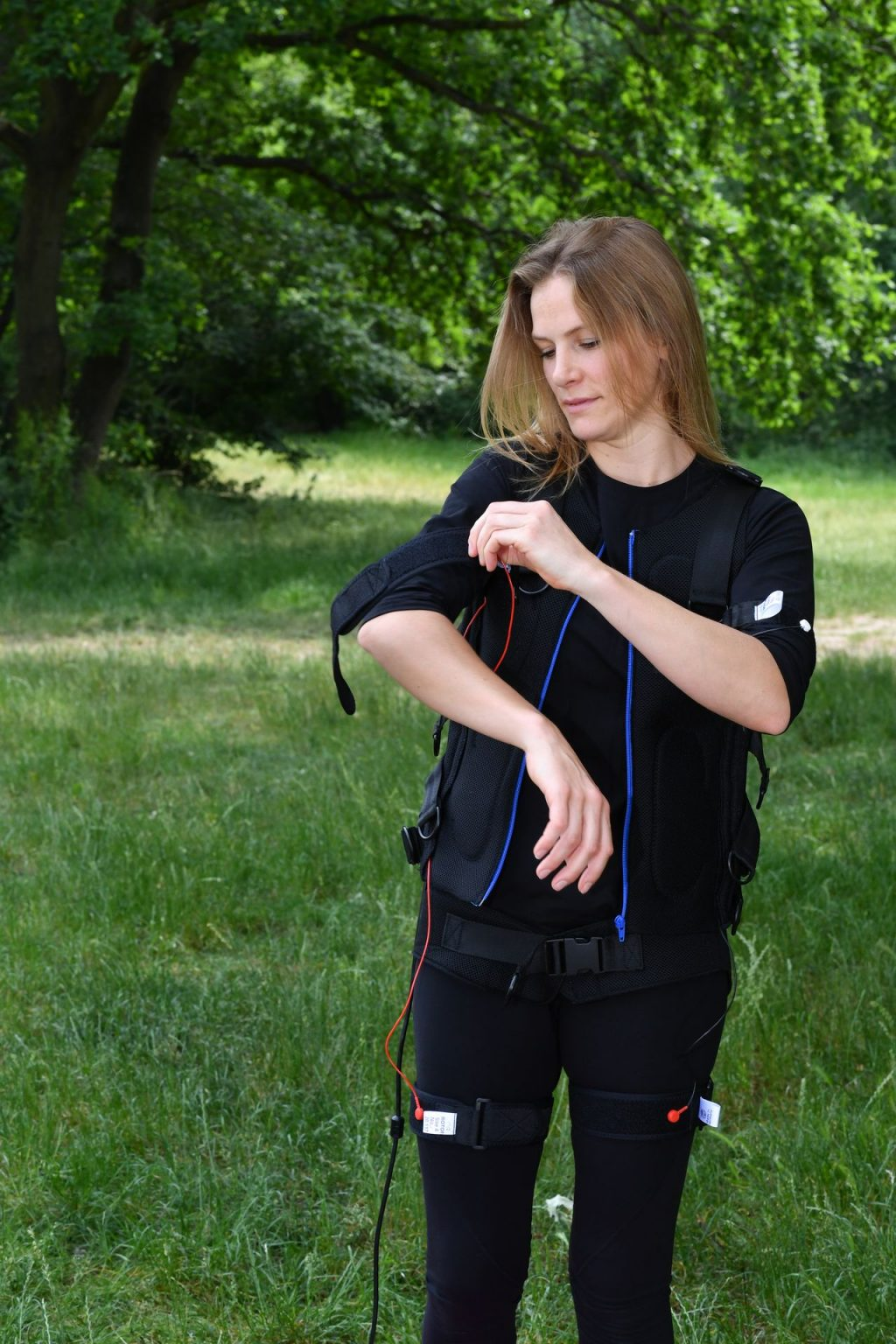 Laura Preiss Is Training in the Park (8 Photos)