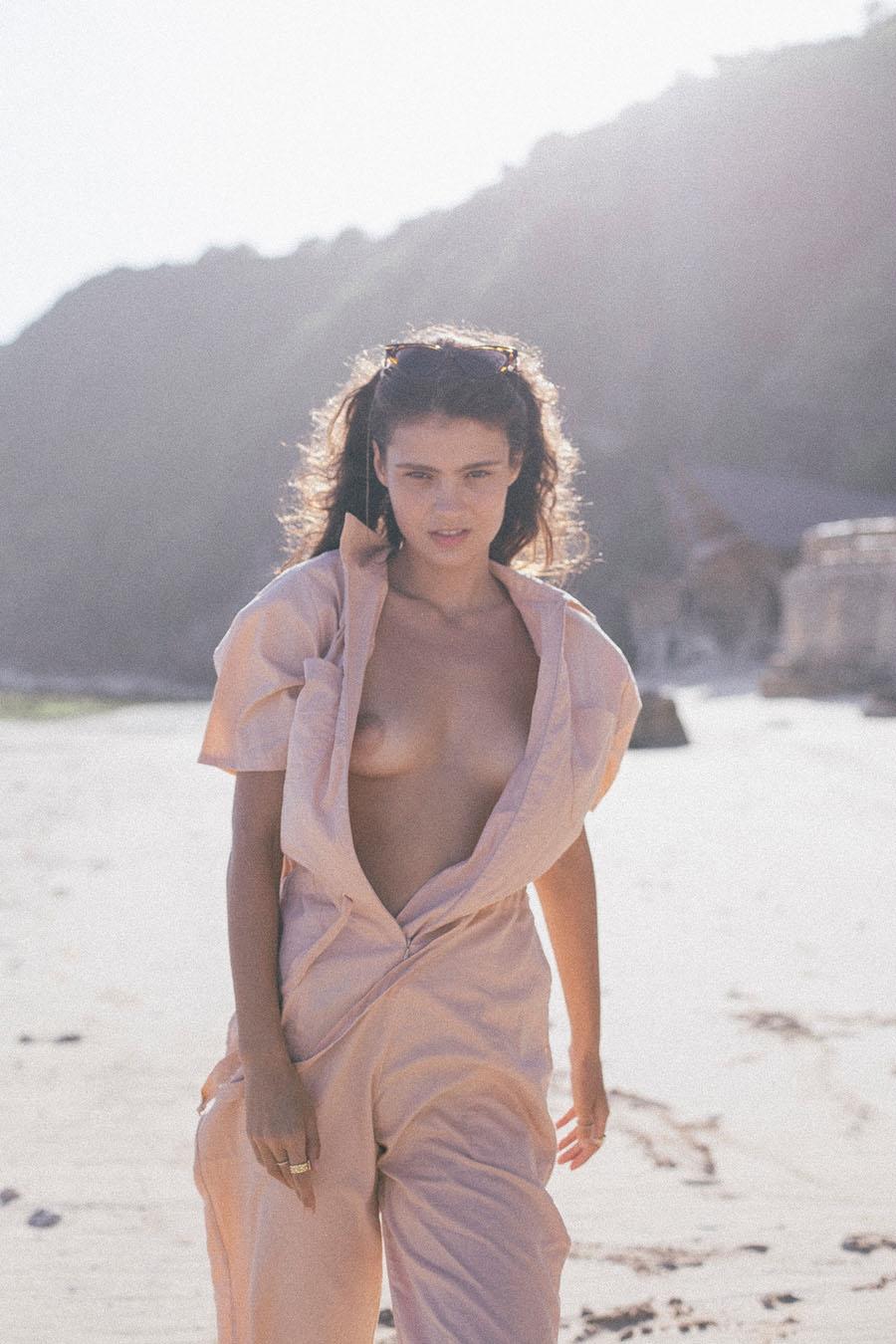 Eva Staudinger  nackt