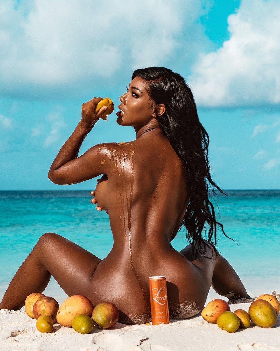 Mallory Jansen Nude, Naked