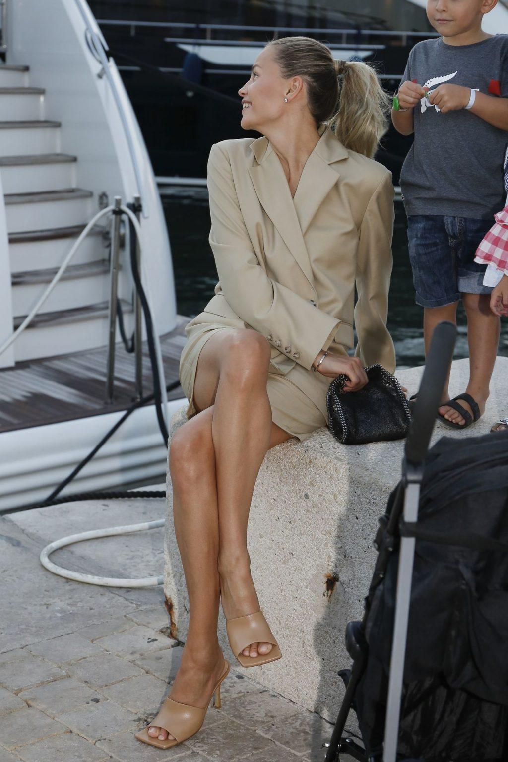 Natasha Poly Shows Off Her Sexy Legs in Saint Tropez (8 Photos)