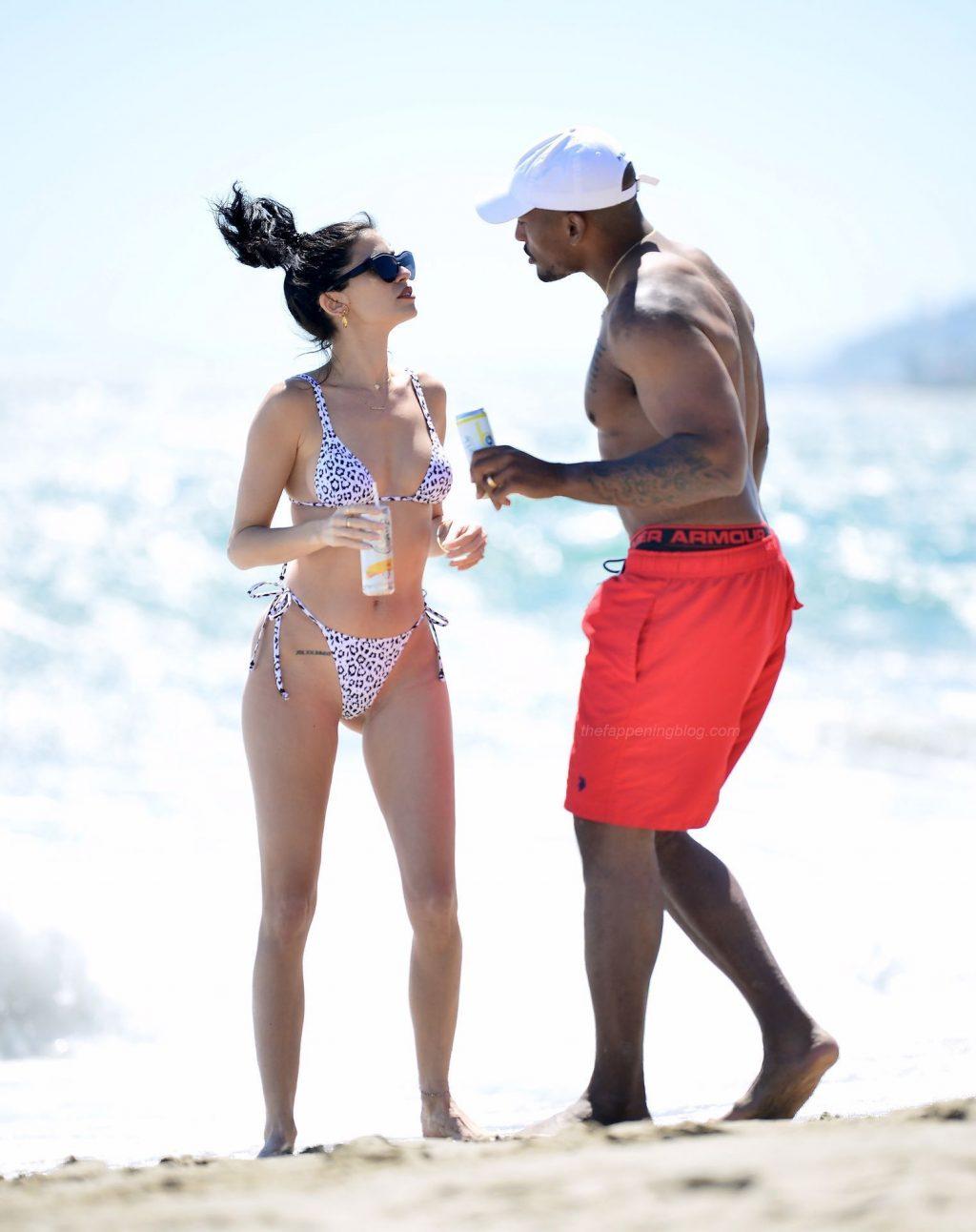 Nicole Williams Flaunts Her Amazing Bikini Body in Malibu (12 Photos)