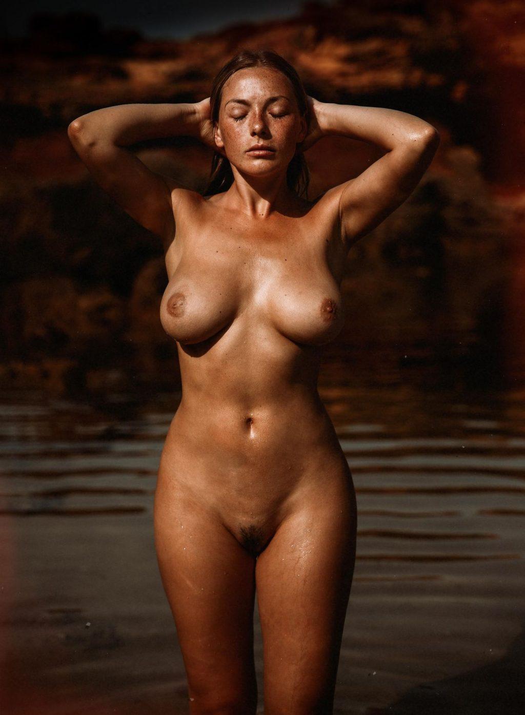 Olga Kobzar Nude & Sexy (26 Photos)
