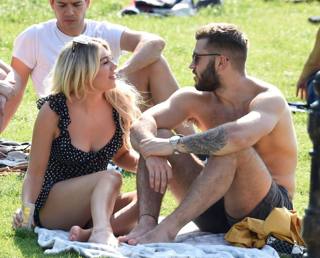 Sexy Paige Turley & Finn Tapp Pack on the PDA on a Picnic in Manchester (83 Photos)