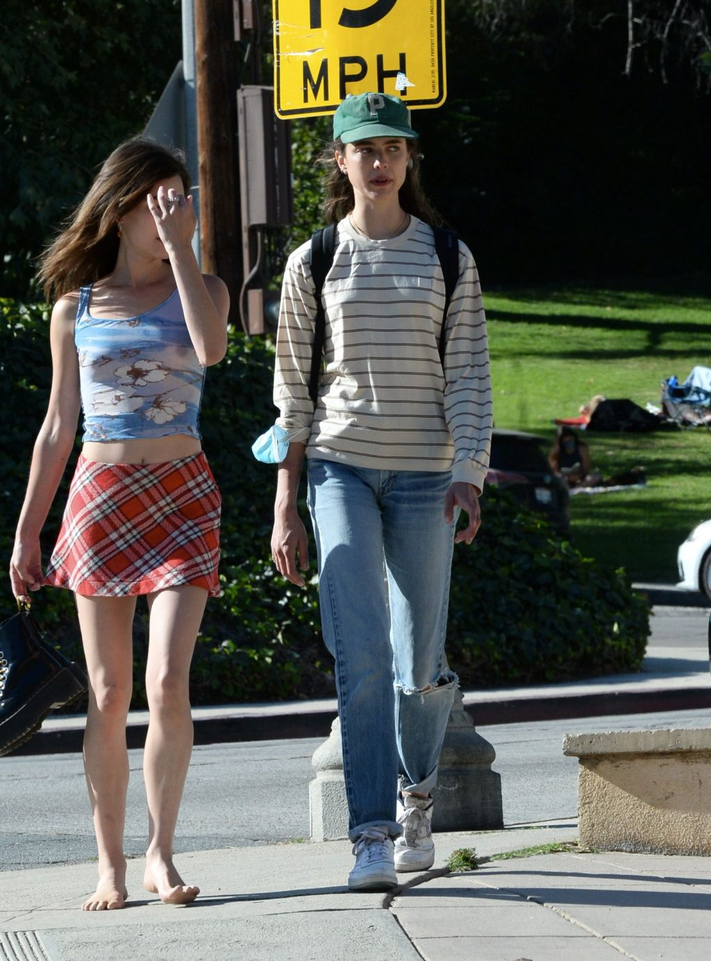 Braless Rainey Qualley Looks Stunning with Her Sister Margaret in Los Angeles (47 Photos)