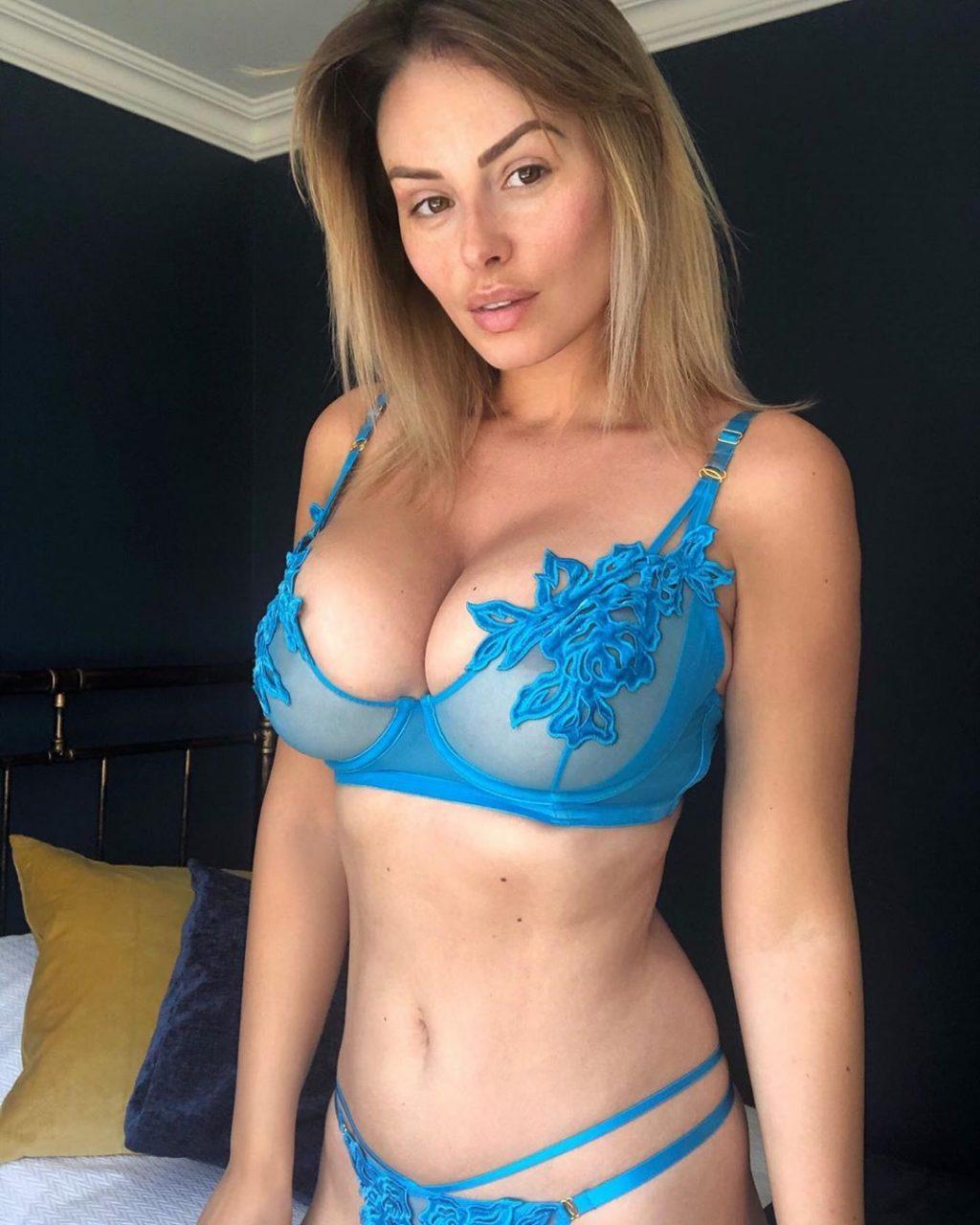 Rhian Sugden See Through & Sexy (15 Photos)