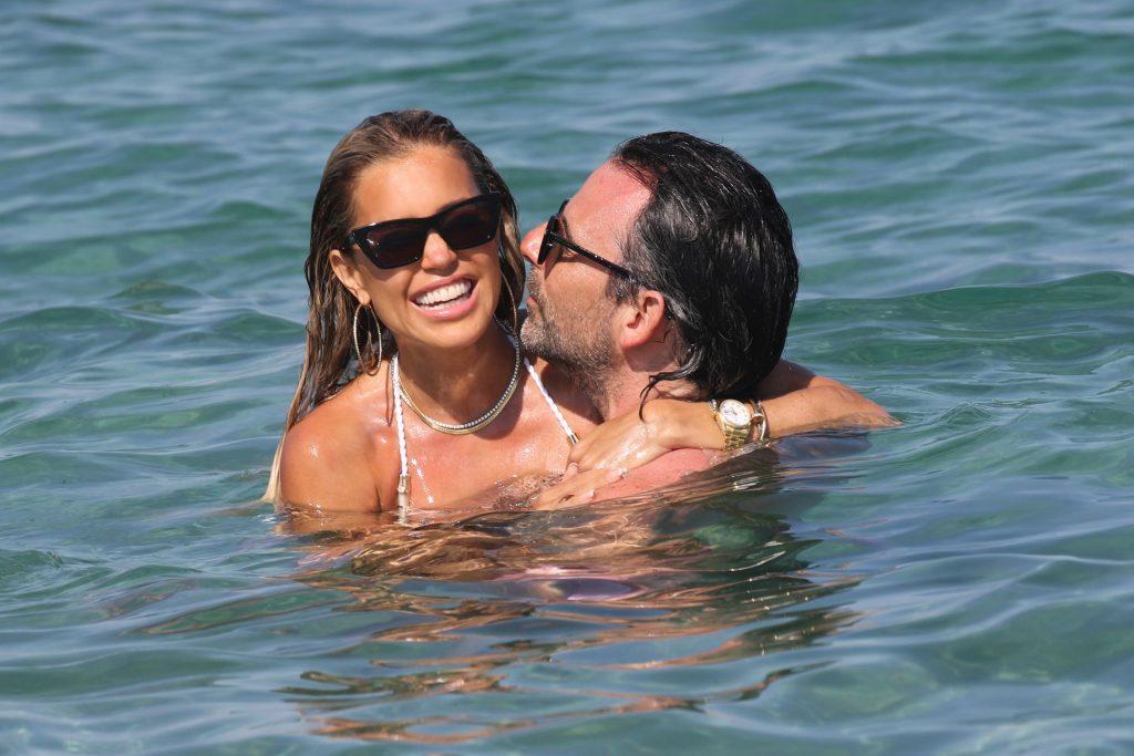 Sylvie Meis & Niclas Castello Is Seen During a Beach Day in Saint Tropez (75 Photos)